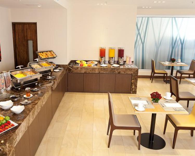 Desayuno y Cena Ligera Hotel ESTELAR Calle 100 Bogotá